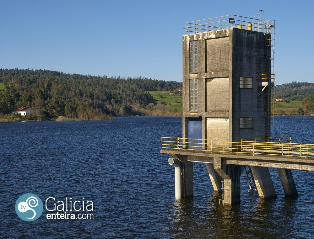 Embalse Portodemouros - Vila de Cruces