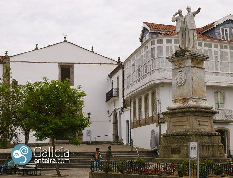 Estatua hermanos Naviera - Betanzos