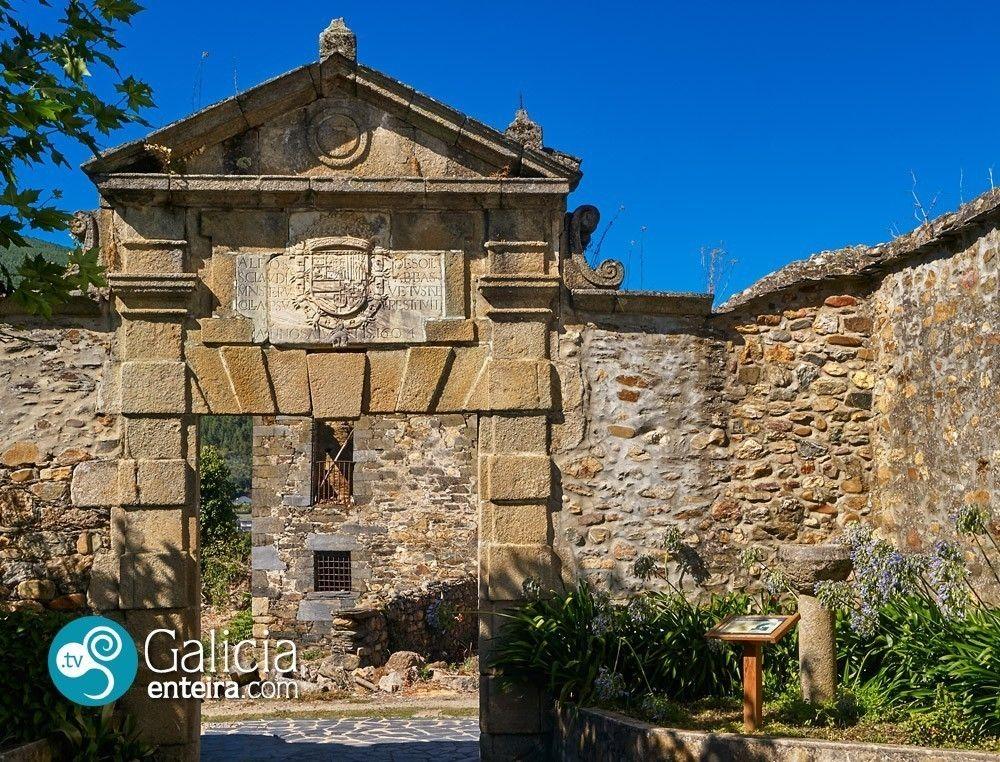 Portada de antiguo priorato de San Clodio - Ribas de Sil