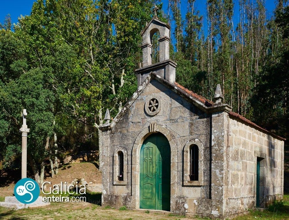 Ermita do Cruceiro Quebrado Crecente