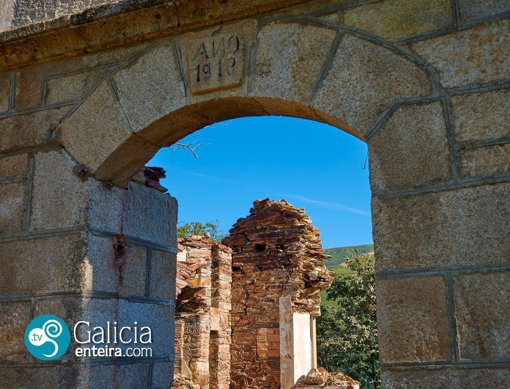 Casas en las minas de wolframio de Vilanova (A Veiga)