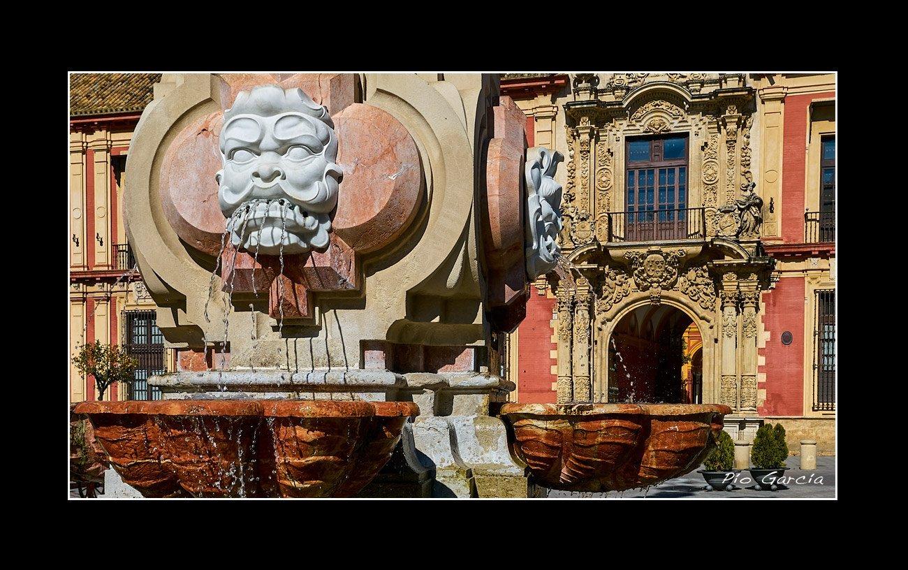Plaza Virgen de los Reyes Sevilla