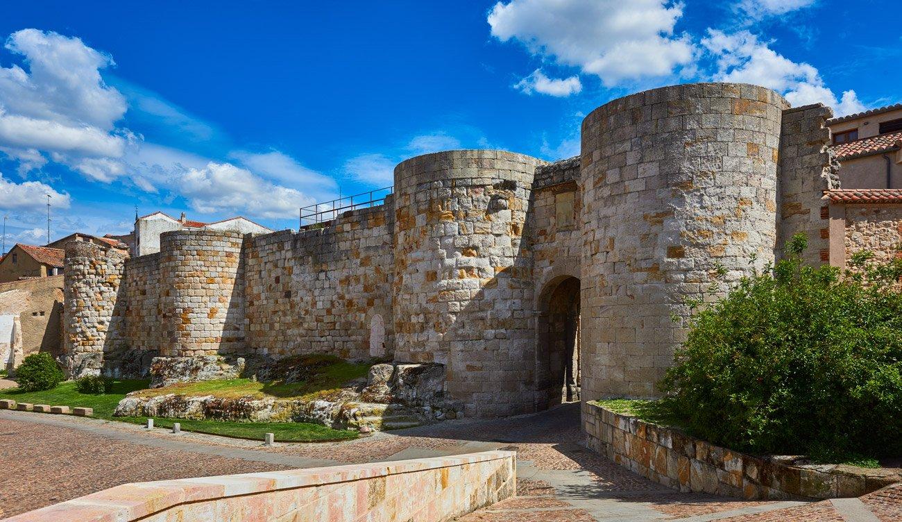 Puerta y Palacio de Doña Urraca - Zamora