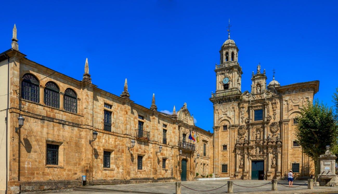 Monasterio Benedictino de San Salvador de Lourezá en el camino de Santiago del norte