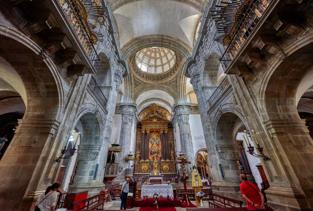Monasterio Benedictino de San Salvador de Lourezá