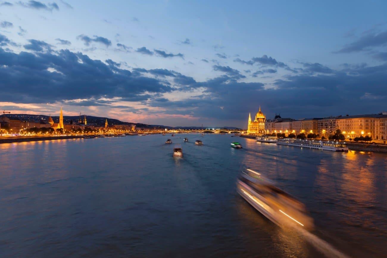 El Danubio en barco Budapest